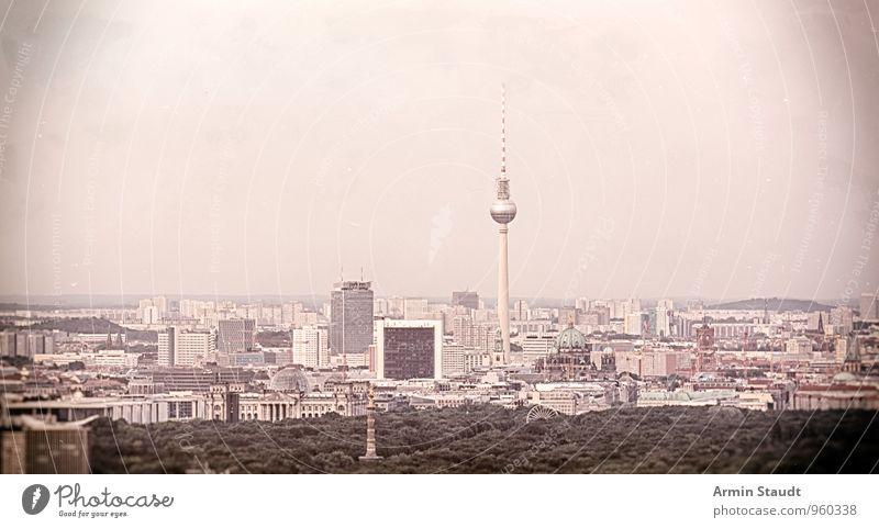 November Berlin Ferien & Urlaub & Reisen Umwelt Landschaft Luft Wolkenloser Himmel Horizont Winter schlechtes Wetter Nebel Stadt Skyline Menschenleer Haus