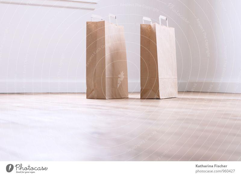 schräg Verpackung kaufen Tüte Einkaufstasche Papier beige Tragegriff Tasche Bodenbelag Einzelhandel Marketing Design Behälter u. Gefäße Schließfach ökologisch