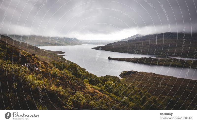 Caledonia is calling me Umwelt Natur Landschaft Wasser Himmel Wolken Frühling schlechtes Wetter Nebel Regen Wiese Hügel Küste Seeufer dunkel Unendlichkeit kalt