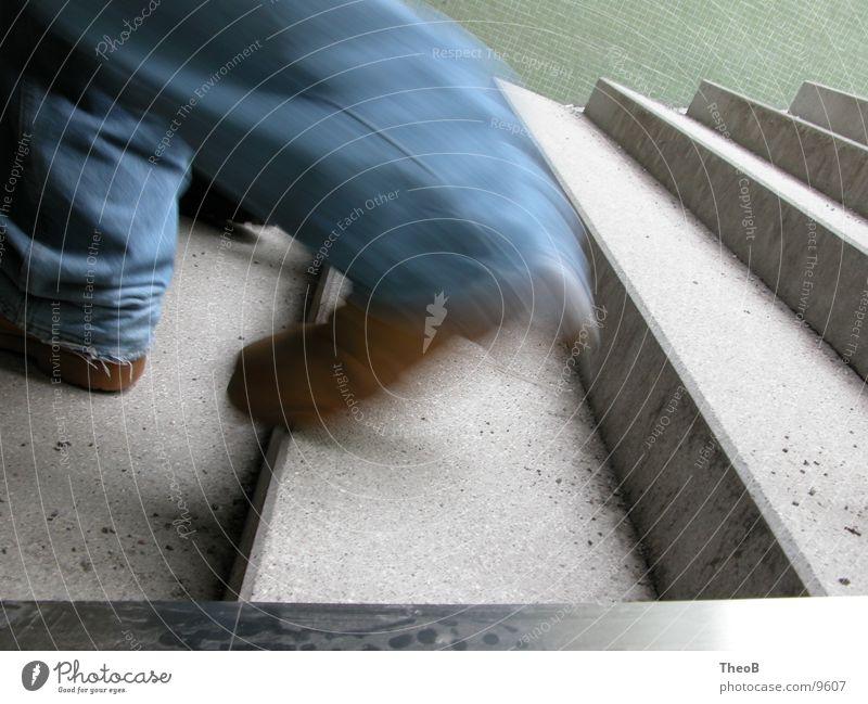 CoolRunning Mensch grün blau schwarz gehen laufen rennen Treppe Untergrund Unterführung