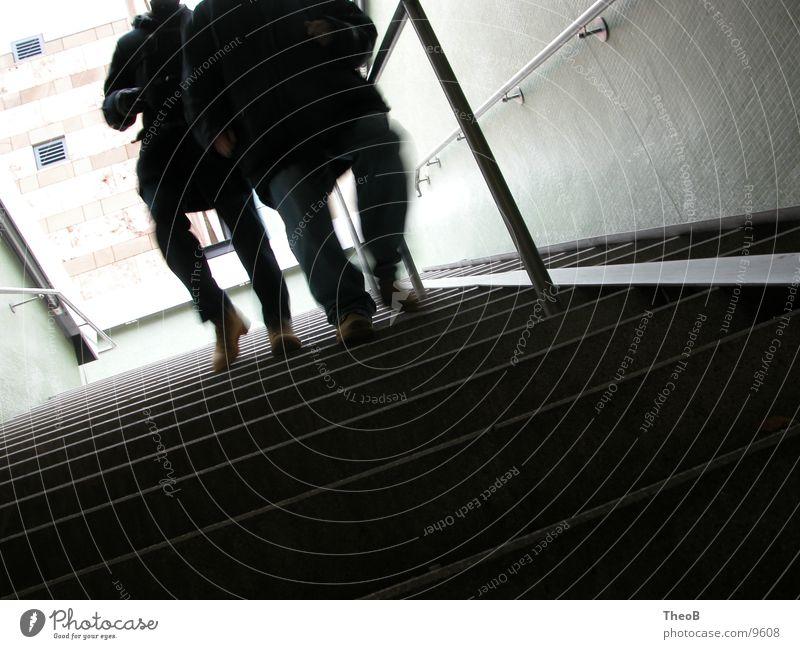 DownStairs Mensch grün schwarz gehen laufen Treppe Stuttgart Untergrund Unterführung