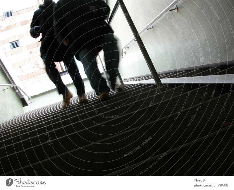 DownStairs Untergrund grün gehen schwarz Stuttgart Mensch Treppe Unterführung laufen black