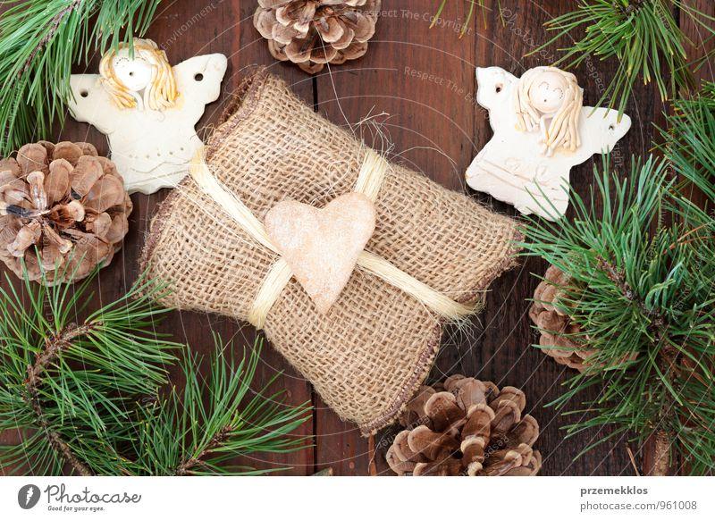 Weihnachtsgeschenk Lifestyle Freude Dekoration & Verzierung Ornament Herz Engel authentisch einzigartig natürlich braun grün Tradition Dezember Geschenk