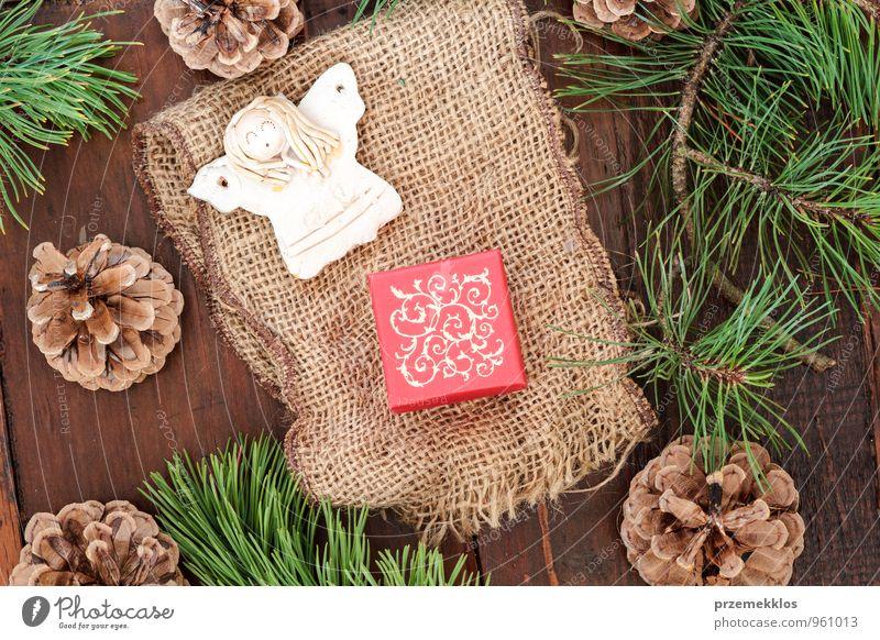 grün rot natürlich Holz klein Lifestyle Feste & Feiern braun Dekoration & Verzierung authentisch einzeln Geschenk einzigartig Schnur Jahreszeiten Stoff