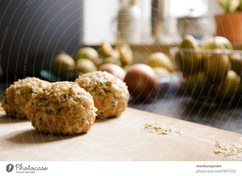 semmelknödel Lebensmittel Teigwaren Backwaren Brötchen Knödel klöss Ernährung Essen Mittagessen Abendessen Büffet Brunch Bioprodukte Vegetarische Ernährung