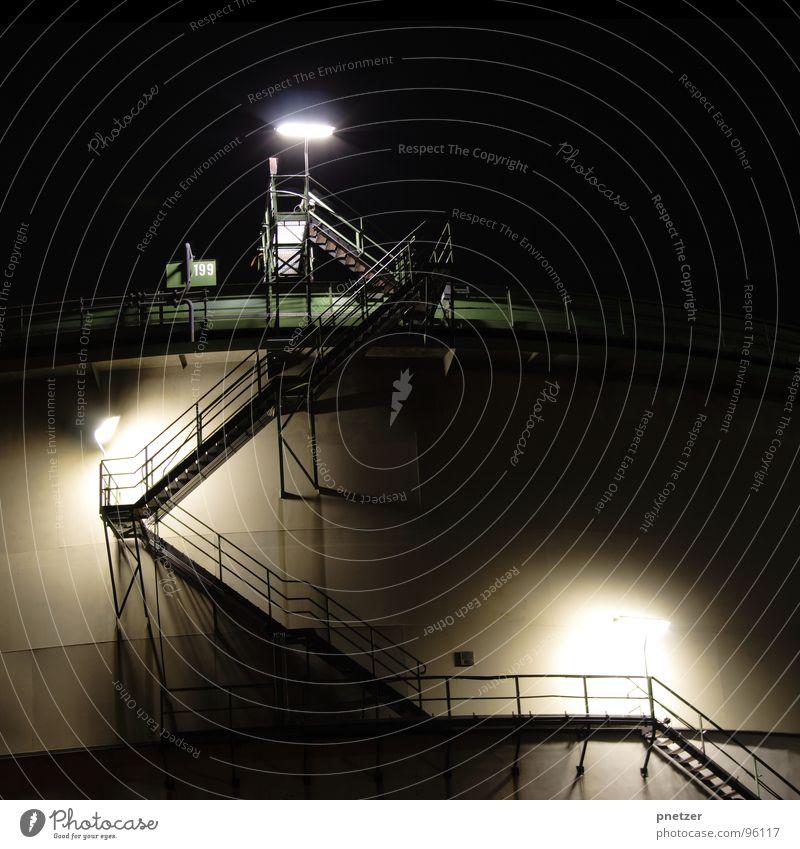 die Treppe Fabrik Licht Nacht Langzeitbelichtung Belichtung grün schwarz Industrie Schornstein Kühlturm