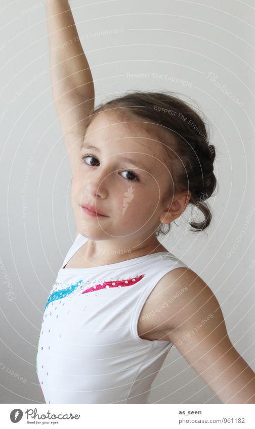 Pose harmonisch Sport Turnen Kunstturnen Leistungsturnen Sportveranstaltung Kindererziehung Schulkind Mädchen Kindheit Leben Körper 1 Mensch 3-8 Jahre Tanzen