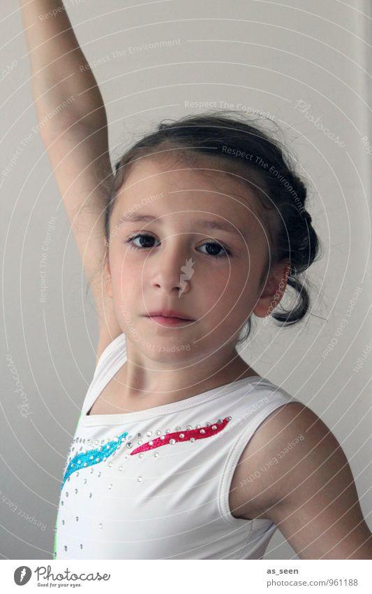 Pose II Sport Fitness Sport-Training Kunstturnen Akrobatik Balletttänzer Sportveranstaltung Wettkampf Kindererziehung Tanzschule Mädchen Kindheit Leben Körper
