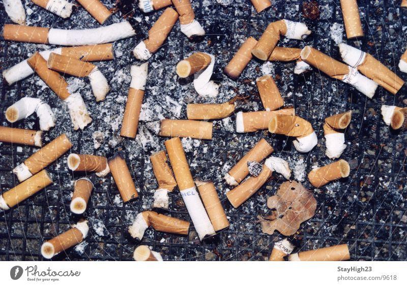 Haste mal ne Kippe? Rauchen Zigarette Ekel Aschenbecher beenden Zigarettenstummel