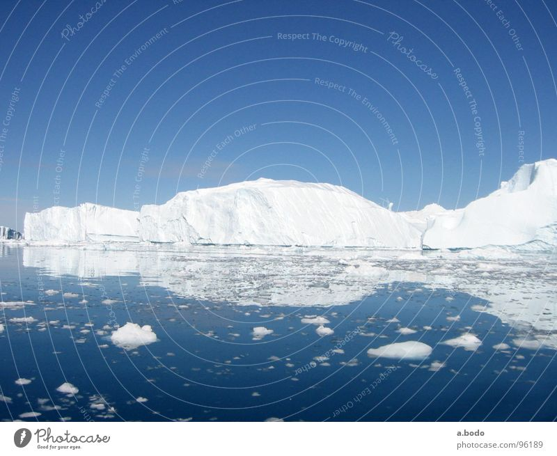 Cool Water IV Grönland Ilulissat Eisberg Meer Sommer Himmel Berge u. Gebirge greenland grönland-diskobucht greenland-diskobay growler ocean Alm mountains sun