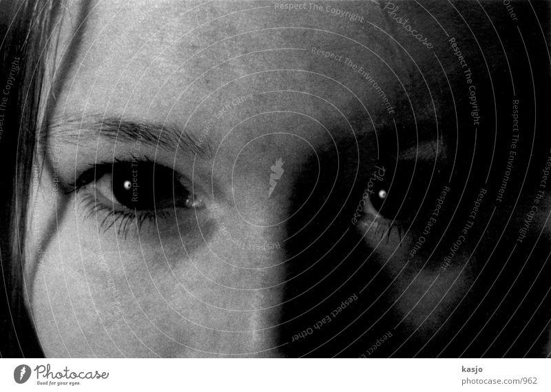Katrin Auge 02 Mensch dunkel
