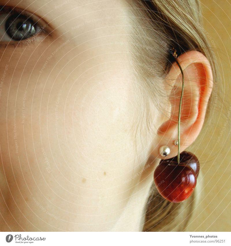 cherry eye Frau Jugendliche rot Sommer Auge gelb Stil Glück Haare & Frisuren Kopf Beleuchtung Haut Frucht süß paarweise Ohr