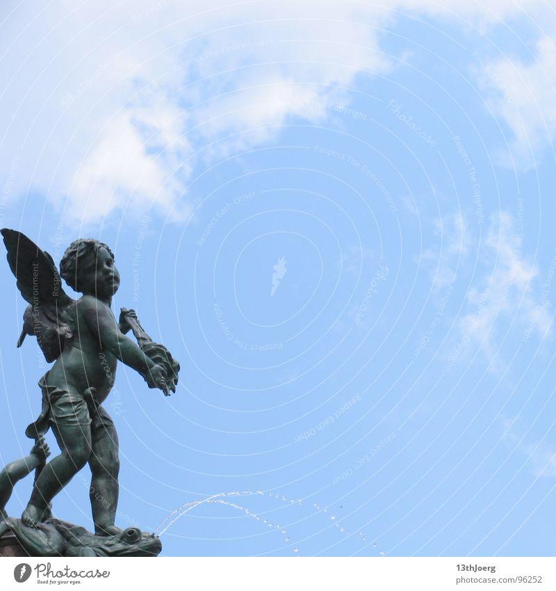 Engelsstandpunkt II Himmel blau Sommer Wolken Kunst Hoffnung Engel Brunnen Schmuck Statue Leipzig Skulptur himmlisch Sachsen Springbrunnen Kunsthandwerk