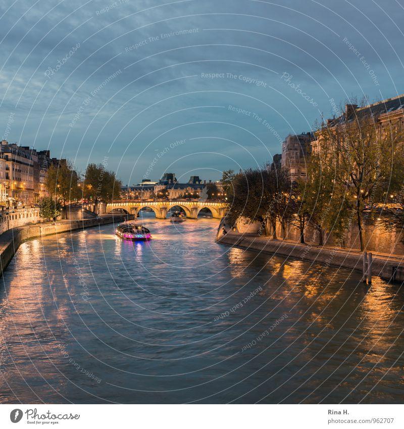 La Seine Ferien & Urlaub & Reisen Tourismus Ausflug Sightseeing Nachtleben Himmel Herbst Schönes Wetter Flussufer Paris Haus Brücke Schifffahrt