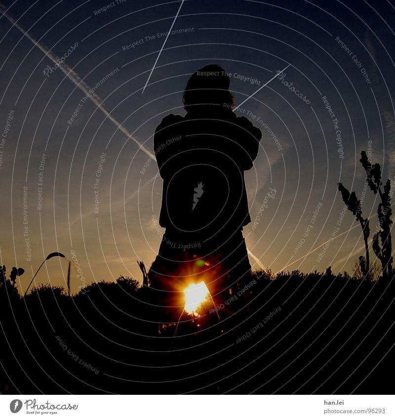 Poser Freiheit Sonne Jugendliche Himmel Wolken Linie Macht Kondensstreifen Körperhaltung Angeben Abend Dämmerung Licht Silhouette Gegenlicht
