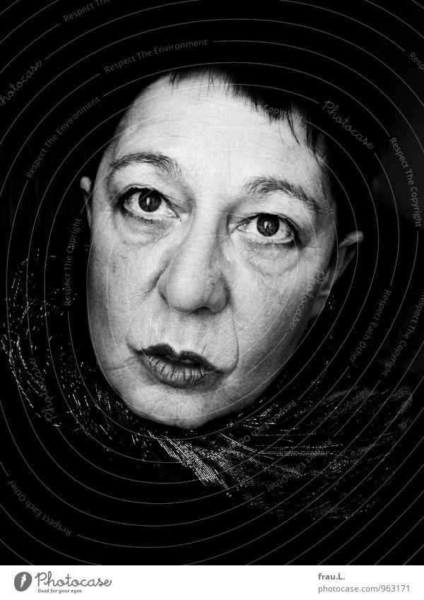 alter La Strada-Blick Mensch feminin Frau Erwachsene Weiblicher Senior Gesicht 1 45-60 Jahre Schauspieler dunkel einzigartig Traurigkeit Angst verstört Gefühle