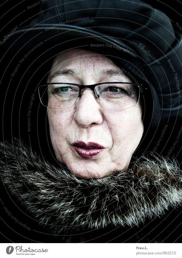 lieber nicht Mensch Frau alt Erwachsene Gesicht Gefühle Senior feminin Stil Mode 60 und älter 45-60 Jahre Lächeln einzigartig Brille Weiblicher Senior