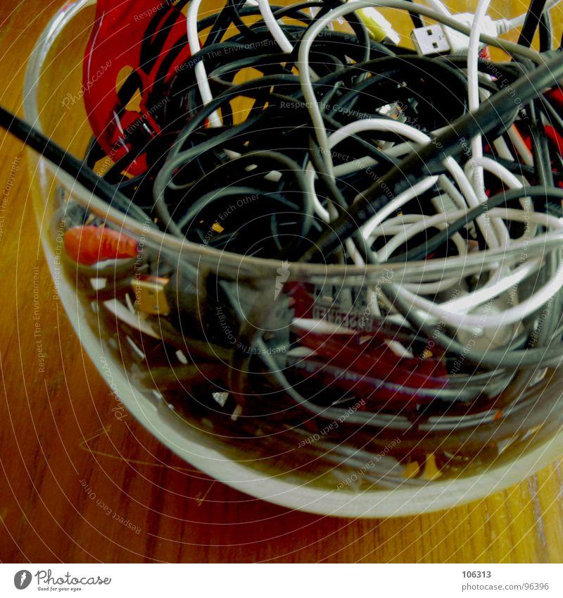 GUTEN APPETIT: KABELSALAT [4.AKT] alt weiß Hand rot schwarz gelb grau Holz Feste & Feiern Lebensmittel maskulin modern frisch Seil Ernährung genießen