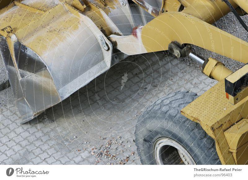 Pneulader am Werk Reifen Baufahrzeug Schaufel gelb Arbeit & Erwerbstätigkeit Maschine Tiefbau Beton Stahl Kraft Kies 4 grau weiß Handwerk baggern pneulader