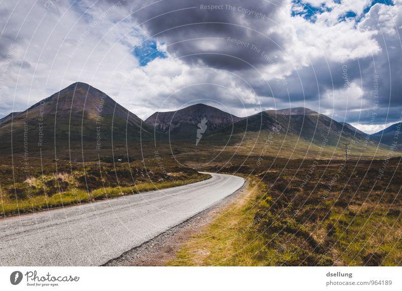 auf und davon. Himmel Natur blau grün Sommer Landschaft Wolken Umwelt gelb Berge u. Gebirge Straße Herbst Wiese Wege & Pfade natürlich Frühling