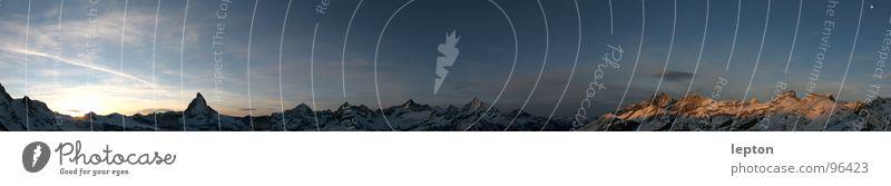 mehr als Toblerone... Bergkette Kanton Wallis Schweiz Abenddämmerung Sonnenuntergang Gornergrat Panorama (Aussicht) Horizont Matterhorn Berge u. Gebirge pano