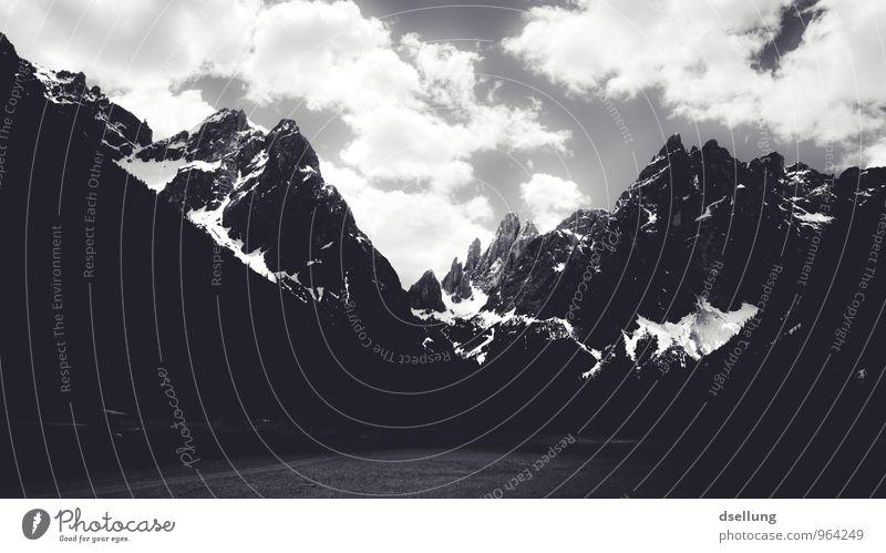 Ausflug ins Graue V Umwelt Natur Landschaft Himmel Wolken Frühling Sommer Wetter Schönes Wetter Felsen Alpen Berge u. Gebirge Gipfel Schneebedeckte Gipfel