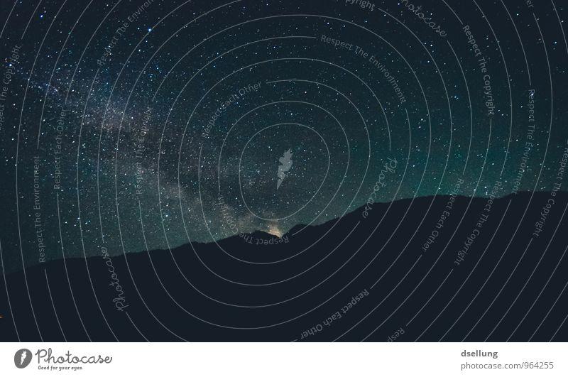 Mother Milky Way Natur Urelemente Himmel Wolkenloser Himmel Nachthimmel Stern Horizont Schönes Wetter Hügel Felsen Alpen Berge u. Gebirge fantastisch gigantisch