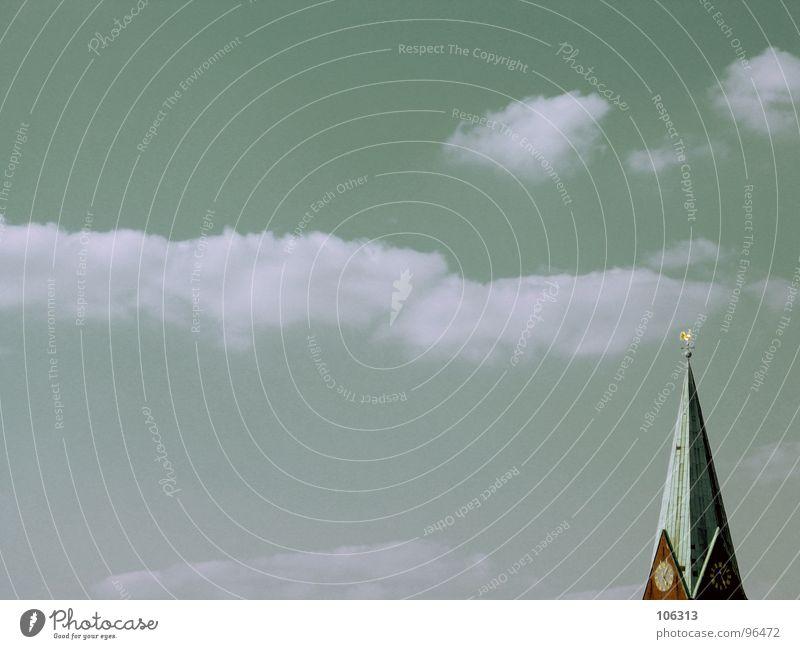MINIMAL_CORNER: BITTE EIN BECKS alt Himmel Wolken Ferne Stein Gebäude klein groß hoch Macht Ecke gefährlich Aussicht Dach Turm