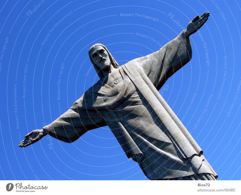 Christusstatue - Rio de Janeiro Himmel Natur blau alt grün ruhig Ferne kalt Berge u. Gebirge Religion & Glaube Stein hell Kunst groß Beton verrückt