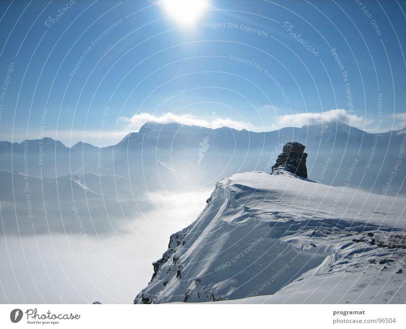 Weitblick in die Hohen Tauern Winter Skifahrer Tiefschnee Hohen Tauern NP weiß Unendlichkeit kalt weich Österreich Außenaufnahme Querformat schön