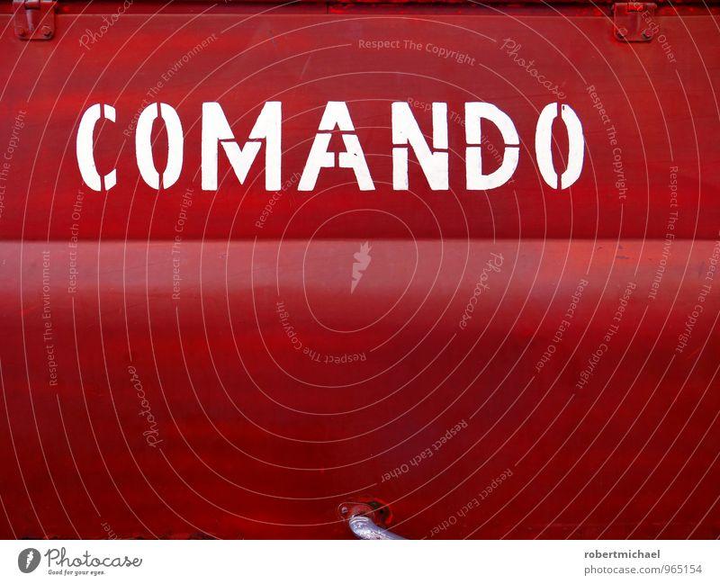 Rotes Comando rot Farbstoff Metall Aktion Schilder & Markierungen Schriftzeichen Hinweisschild Grafik u. Illustration Zeichen Fahrzeug Typographie Lastwagen