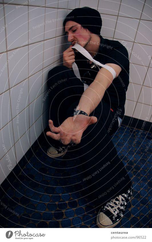 Sehnsucht? Drogensucht Zwang Zerstörung Wunsch Rauschmittel drücken Bahnhofsklo Schwäche Suche Typ Abstieg Gefühle Opfer jack jackie D ... Traurigkeit