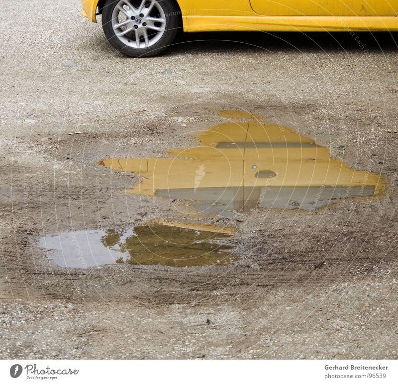 Leasing gelb Pfütze Reflexion & Spiegelung Spiegelbild Schlamm Felge Elektrisches Gerät Technik & Technologie PKW Lack Wasser Regen