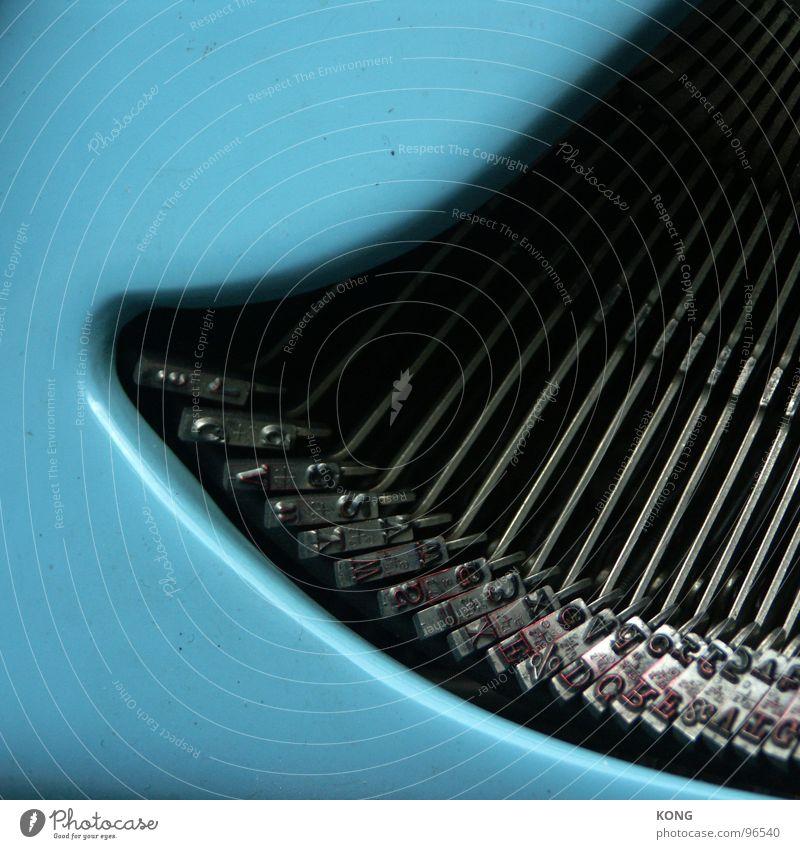 kolibri blau Metall Buchstaben Dinge schreiben Typographie Zeitschrift Blech drucken Schriftsteller Schreibmaschine Behörden u. Ämter Kolibris