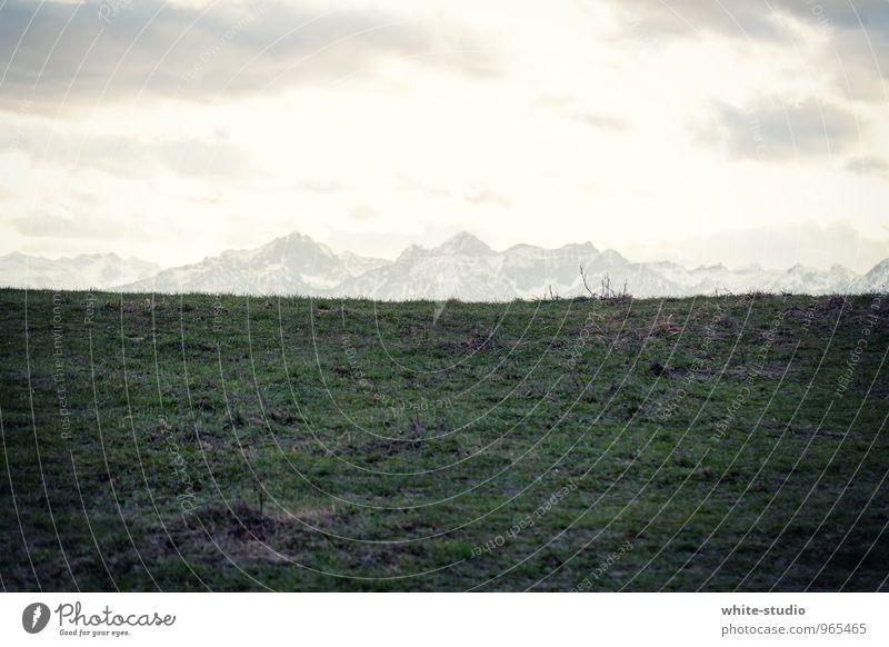 Gebirgsporträt Klettern Bergsteigen Überraschung Alpen Alpenvorland Aussicht Panorama (Bildformat) Berge u. Gebirge Bergkette Schneebedeckte Gipfel wandern