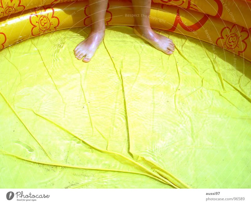 Mehr Wasser,Vattern! Wasser Ferien & Urlaub & Reisen Sommer Freude Spielen Garten Fuß Schwimmen & Baden Schwimmbad kühlen Kühlung Planschbecken