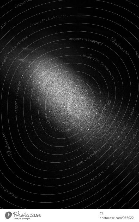flüchtig Straße Wege & Pfade Lichteinfall Lichtfleck Boden dunkel Vergänglichkeit Schwarzweißfoto Außenaufnahme abstrakt Menschenleer Tag Schatten Kontrast