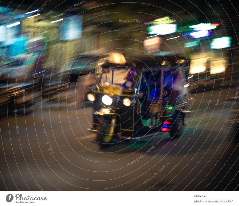 Tuk Tuk Stadt Verkehrsmittel Straße Tuc-Tuc Geschwindigkeit exotisch Tourismus Güterverkehr & Logistik Thailand Asien Bangkok Taxi Außenaufnahme Nacht