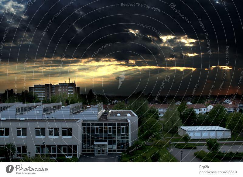 Wolkengedönse Nacht Dämmerung untergehen Lemgo rot Sonnenstrahlen HDR Himmel Abend taifun Erde Abenddämmerung blau Beleuchtung dri