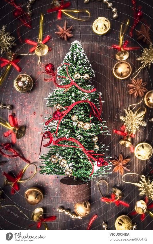 Weihnachtskarte mit Tannebaum , gold und rot Weihnachtsschmuck Ferien & Urlaub & Reisen alt Weihnachten & Advent Winter dunkel Stil Hintergrundbild Holz