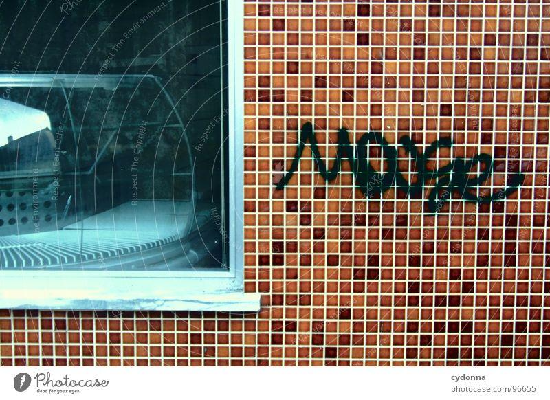 gemoused I alt Stadt schön Ferien & Urlaub & Reisen Farbe Haus Fenster Leben Wand Graffiti Architektur Kunst außergewöhnlich Schriftzeichen Häusliches Leben Wandel & Veränderung