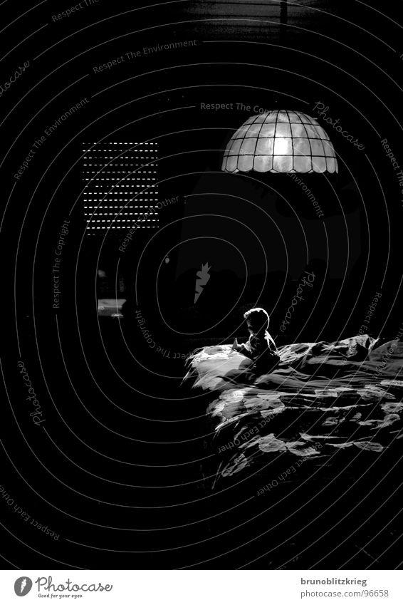 Merkwürdig dunkel Traurigkeit Angst Bett geheimnisvoll Panik fremd Rollo