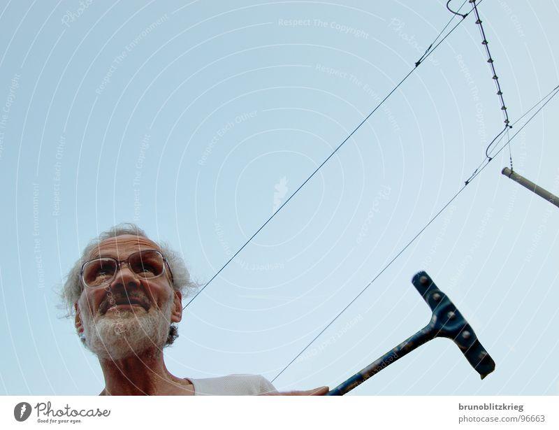 ein nachbar beim werkeln Senior sprechen Arbeit & Erwerbstätigkeit verrückt Konzentration Gartenbau Nachbar Männlicher Senior