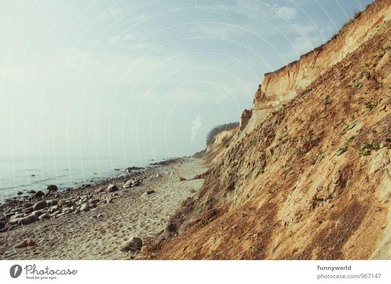 Steil. Küste. Ferien & Urlaub & Reisen Freiheit Strand Meer Insel Landschaft Erde Sand Wasser Himmel Felsen Berge u. Gebirge Wellen Bucht Ostsee authentisch