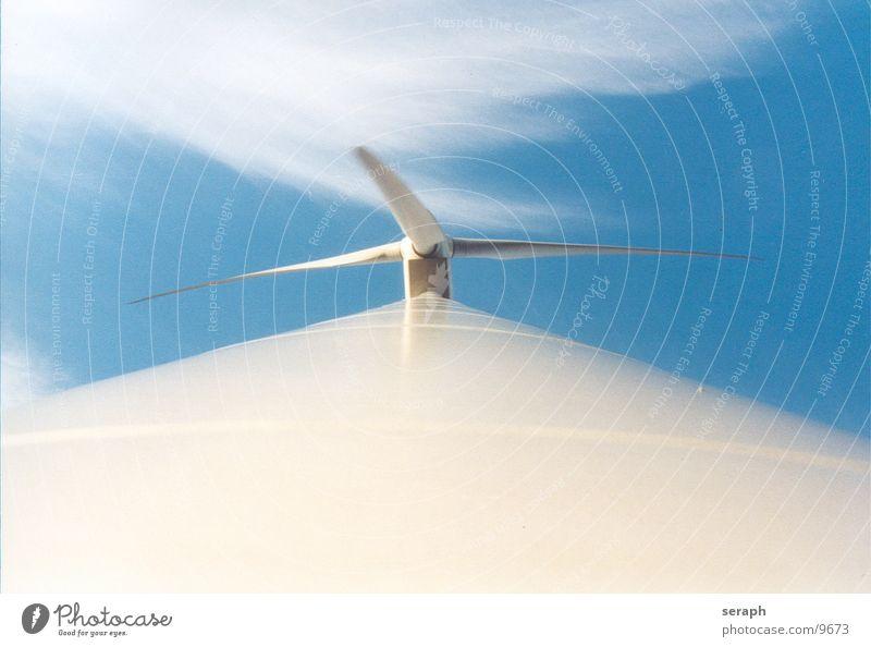 Windkraftrad Windkraftanlage Elektrizität Energie Energiewirtschaft umweltfreundlich Stromkreis Himmel Konstruktion Erneuerbare Energie ökologisch Umweltschutz
