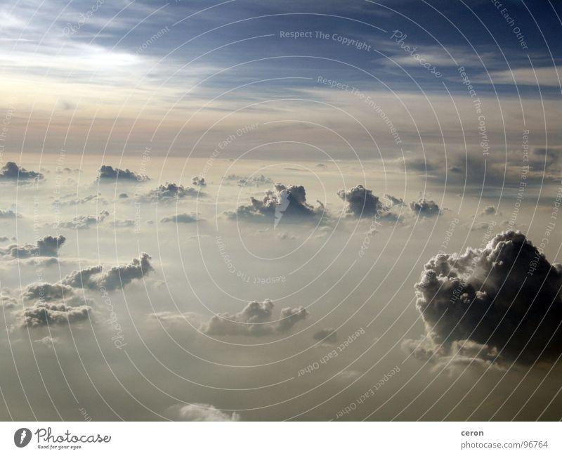Wolken Himmel Freiheit träumen Flugzeug Europa Gewitter Klima