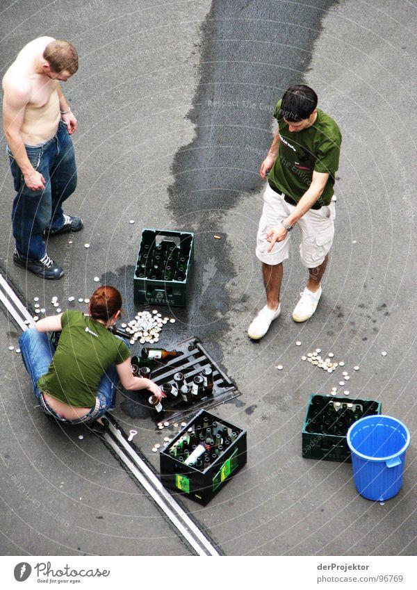 Prohibition (3) - Finale Pfütze Gully Bier Wagen Wand Eimer grau vernichten Bierkasten grün Alkohol Bauernhof Mensch Fluss PKW Terr Jugendliche blau Flasche