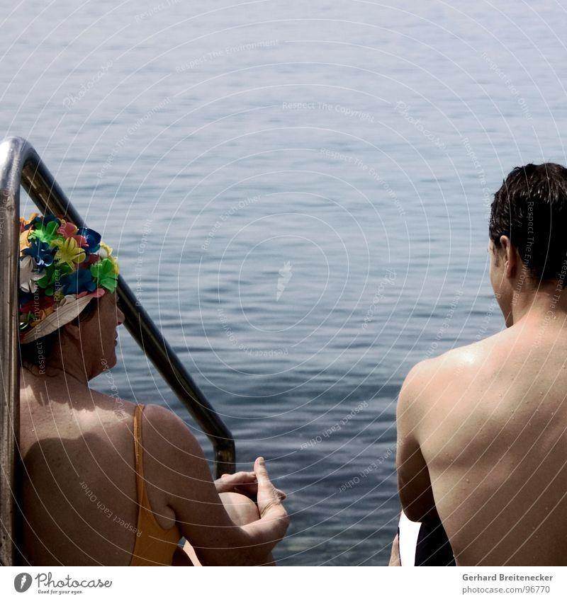 Herbert Cousteau mit Mutter Meer Sommer sprechen Denken Paar Schwimmen & Baden paarweise Wassersport Badekappe