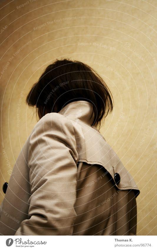 Weu du bist zum Schneidn schoaf in deiner neichn Schoin Mensch schön Wand Haare & Frisuren Raum Rücken Ladengeschäft Jacke Schulter Knöpfe rückwärts