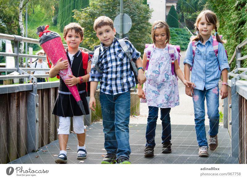 Erster Schultag Ferien & Urlaub & Reisen Mädchen Junge Schule Freundschaft Zusammensein Kindheit Perspektive Beginn Zukunft lernen Neugier Ziel Bildung